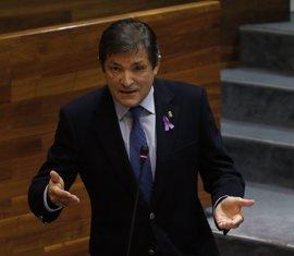 Javier Fernández insta a Llamazares a no poner en duda su compromiso con el carbón