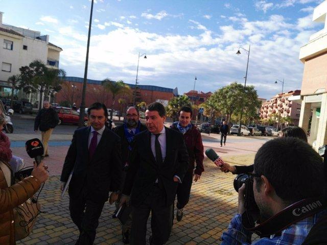 Ignacio González, a su llegada a los juzgados sobre el ático de Estepona (Málaga