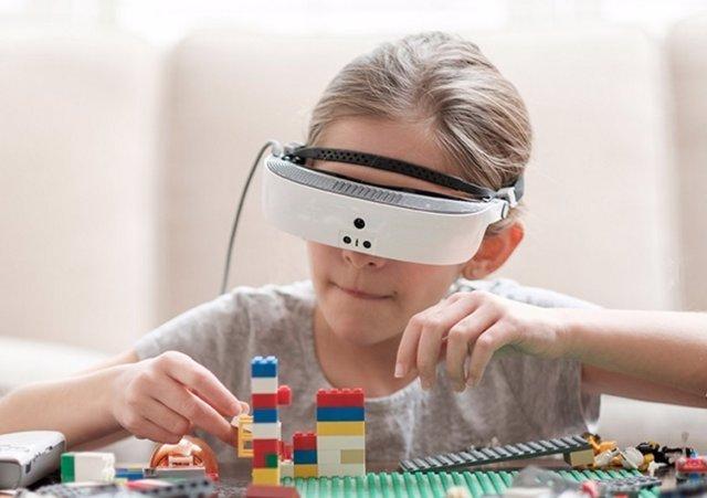 ESight 3, las gafas de realidad aumentada que permiten ver a ciegos legales