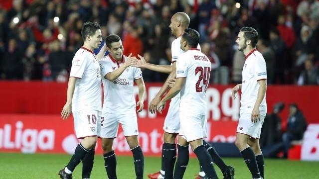 Steven N'Zonzi marca con el Sevilla
