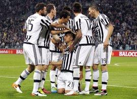 La Juventus golea al Palermo y allana el camino hacia su sexto título consecutivo