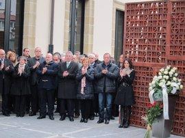 El Parlamento vasco homenajeará el próximo jueves a Fernando Buesa y Enrique Casas