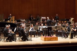 La Banda Municipal de Música de Bilbao actúa bajo la batuta de Philip Sparke