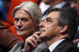 Un 65% de los franceses se muestran contrarios a la candidatura de Fillon, aunque republicanos le respaldan