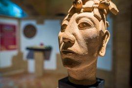 Fundación Sophia ofrece a museos de Murcia sus exposiciones itinerantes