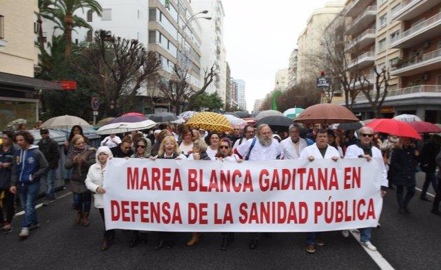 Manifestación de la Marea Blanca de Cádiz