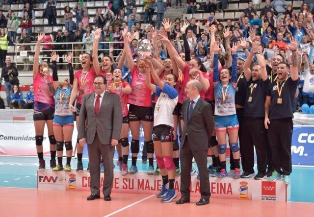 Figaro Peluqueros Haris campeón Copa Reina voleibol