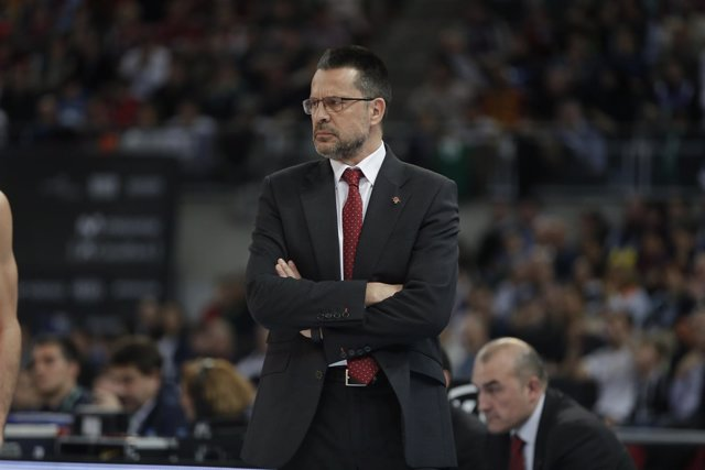 El entrenador del Valencia Basket, Pedro Martínez
