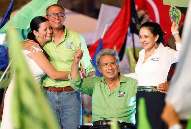 Lenín Moreno en un acto de campaña en Guayaquil