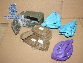 Detenido un individuo con 68 kilos de hachís en su vehículo que transportaba a Europa