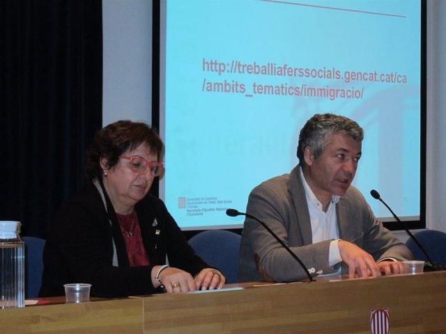 La consellera Dolors Bassa junto al secretario de Migraciones Oriol Amorós