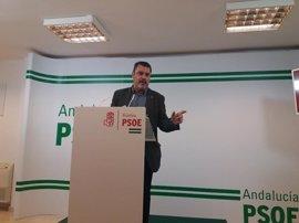 """PSOE de Huelva critica que el PP ejerza de """"corredor inmobiliario"""" para favorecer la sanidad privada"""