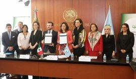 UNIR y Parlatino otorgarán 25 becas de Postgrado en Latinoamérica