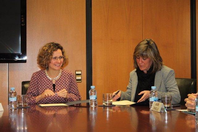 La consellera Meritxell Ruiz y la alcaldesa de L'Hospitalet Núria Marín
