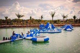 La empresa de parques acuáticos hinchables Unreal Island, de Sevilla, abre oficina en Estados Unidos