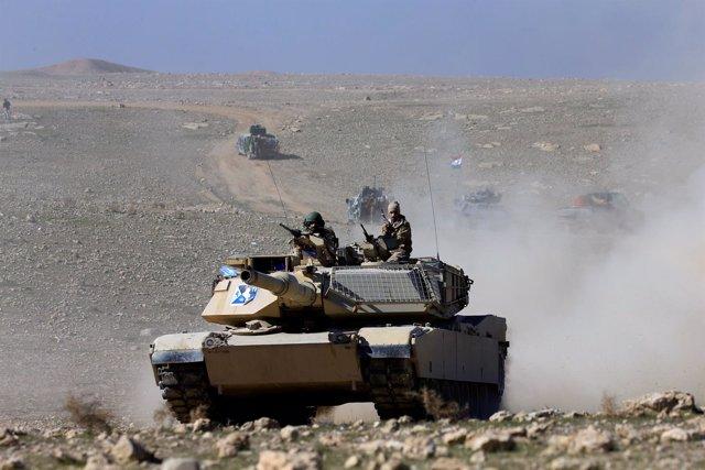 Un carro de combate en la ofensiva sobre Mosul