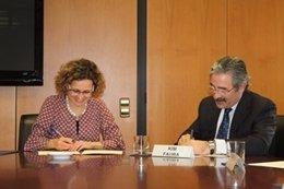La consellera M.Ruiz y el dtor.De Telefónica Catalunya K.Faura