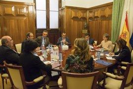 Oria propone a la ministra continuar con las inversiones en infraestructuras rurales