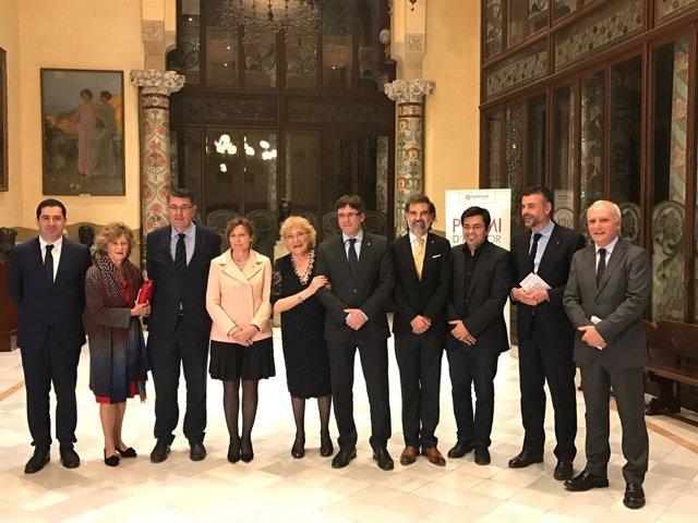 Foto de familia del 49 Premi d'Honor de les Lletres Catalanes