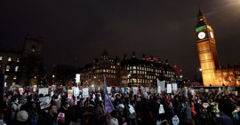 El Gobierno británico defiende la visita de Estado de Trump a pesar de las protestas