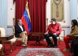 Zapatero y Maduro estudian vías para consolidar el diálogo entre el Gobierno y la oposición de Venezuela