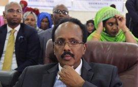 El presidente de Somalia promete recompensas a los que den información sobre planes terroristas