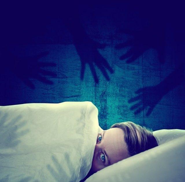 Pesadilla, miedo, dormir, cama, terror