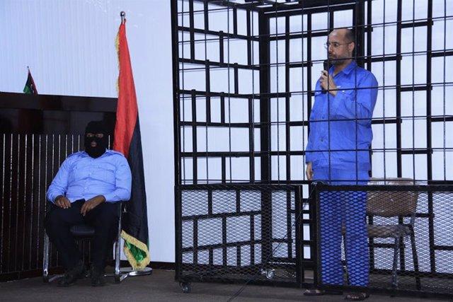 Saif al Islam Gaddafi, hijo del líder Muamar Gafafi, durante una vista judicial.