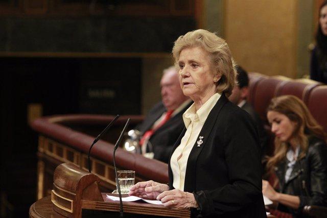 La defensora del pueblo,  Soledad Becerril, en el Congreso