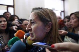 Ana Pastor busca consenso para adelantar a las doce el inicio de los plenos a partir de marzo