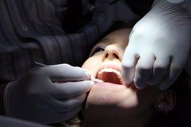 """Sindicatos médicos piden con """"urgencia"""" medidas legales que garanticen unas condiciones dignas en las clínicas dentales"""