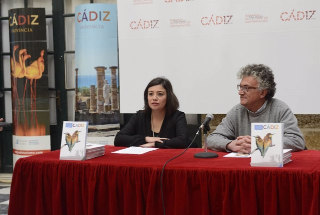 La Diputación de Cádiz publica una guía sobre turismo ornitológico