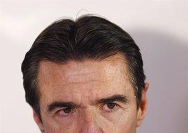 "Podemos pide que el fiscal investigue si hubo ""trato de favor"" a Soria tras demostrarse que le pagaron un hotel"