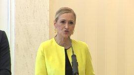 """Cifuentes dice que """"sería una gran noticia"""" que Cospedal siguiera como presidenta del PP de Castilla-La Mancha"""