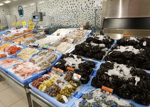 La disposición de los pescados y mariscos en el nuevo modelo de tienda eficiente