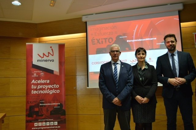 Nota Y Fotos / La Junta Inicia En Granada Un Proceso Para Captar A Los Emprended