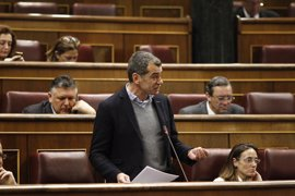 Rifirrafe en el Congreso entre Podemos y Ciudadanos a cuenta de quién chupa más cámara