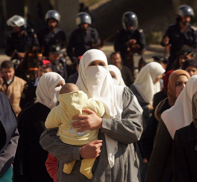 Una mujer jordana con velo