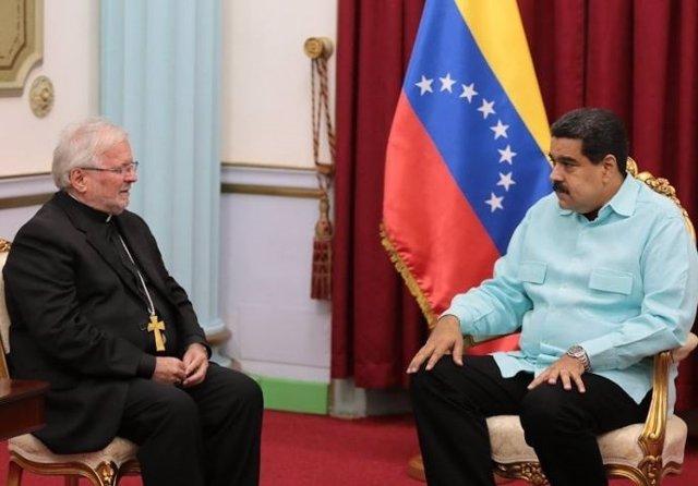 Nicolás Maduro y nuncio Aldo Giordano