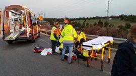 Herido grave un hombre de 40 años tras ser atropellado por un turismo en una rotonda sobre la M-45