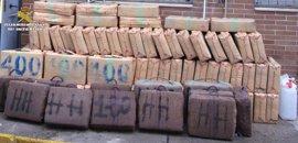 Cuatro detenidos y 3.691 kilos de hachís intervenidos en aguas de Algeciras