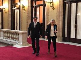 Puigdemont no confirma ni desmiente la reunión con Rajoy y dice que no hay negociaciones