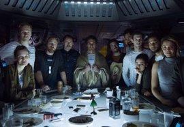 Alien: Covenant, foto de familia... con James Franco