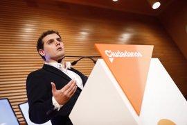 """Rivera ve al presidente de Murcia """"enrocado"""" en el cargo y pide al PP que """"se serene"""" y proponga un sustituto"""