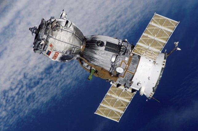 Resultado de imagen para China y Rusia firman acuerdo para lanzamiento de misiones a La Luna