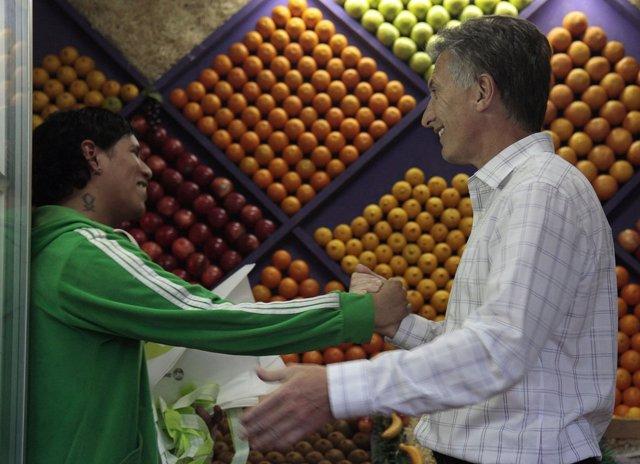 Mauricio Macri en un supermercado de Palermo