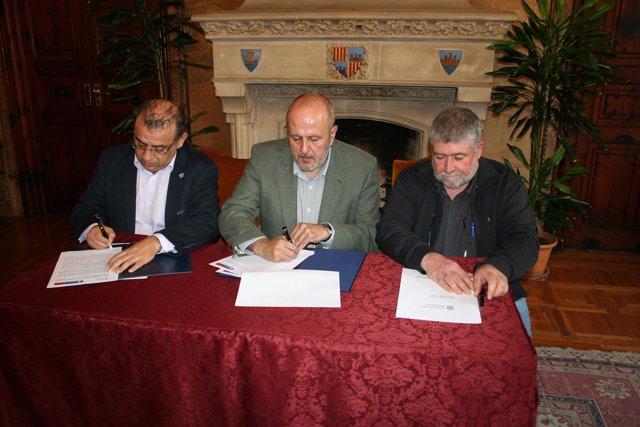 Firma de un convenio entre el Consell de Mallorca y el Ayuntamiento de Calvià