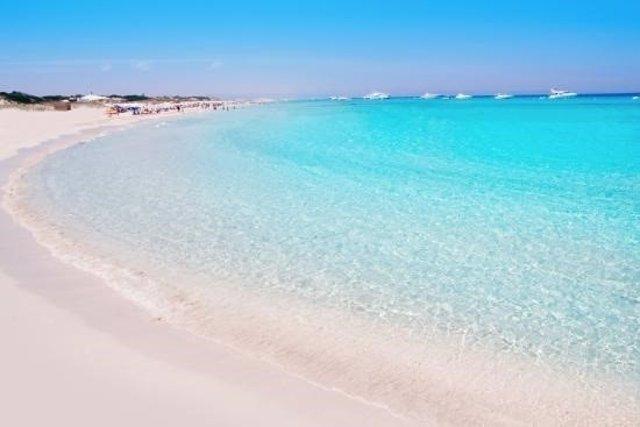 playa de ses illetes - formentera espanha