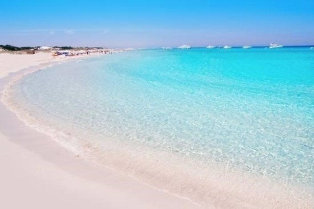 playa de ses illetes mallorca spain