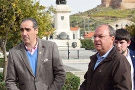 Monago reprocha a Vara que apoye el 'bloqueo' a los presupuestos que impide las oposiciones en Educación